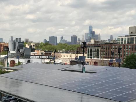 """Microgrid Projekt in Brooklyn – mit solchen Projekten nähert sich die Stadt New York City ihrem """"80 x 50""""-Ziel zur Treibhausgasminderung. Foto: Ursula Eicker"""